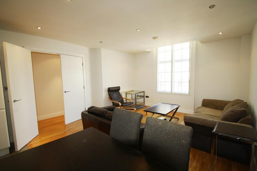 2 Bedrooms Flat for sale in BEDFORD CHAMBERS, 18 BEDFORD STREET, LEEDS, LS1 5PZ