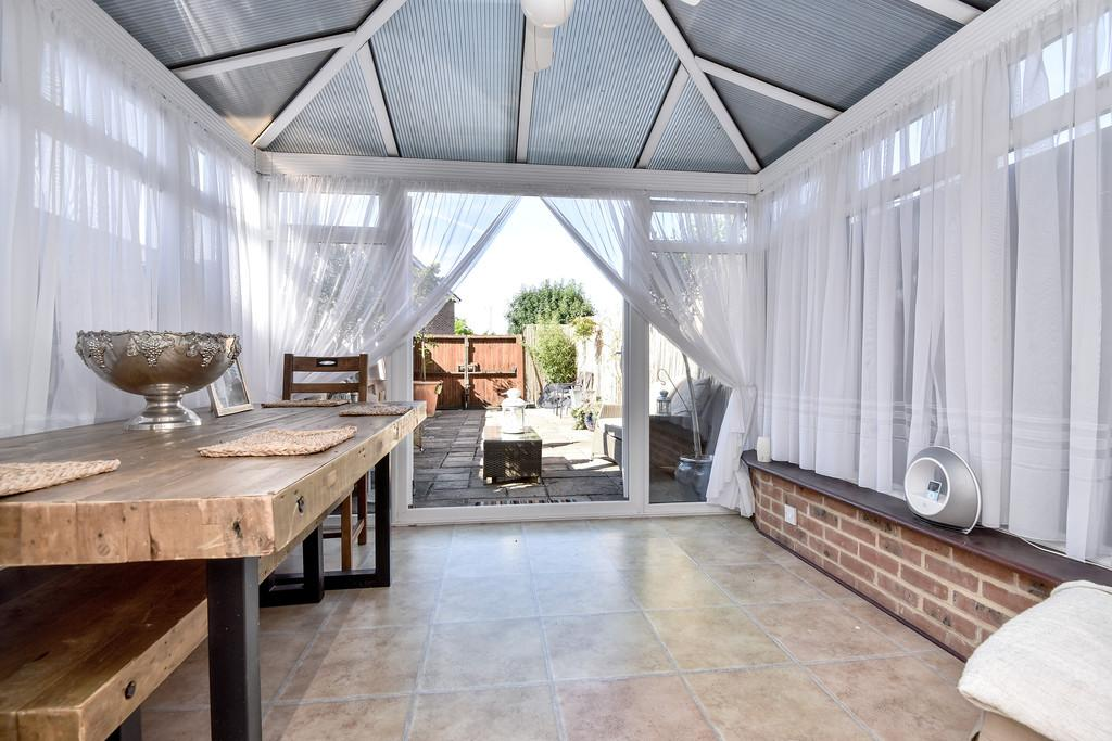 4 Bedrooms Town House for sale in The Lakes, Larkfield