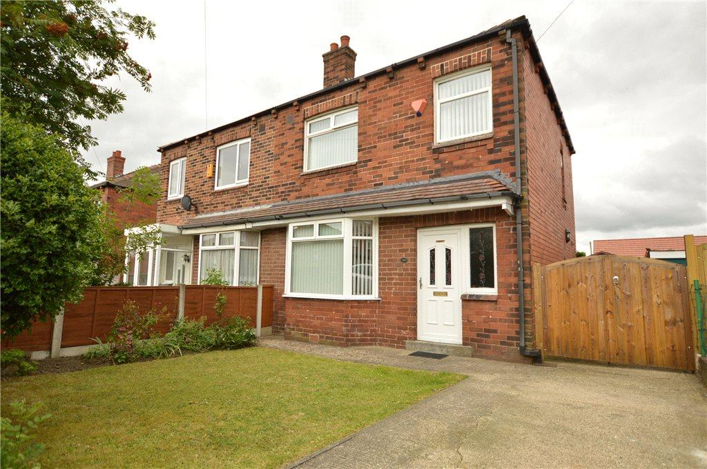 3 Bedrooms Semi Detached House for sale in Thirlmere Drive, Tingley, Wakefield