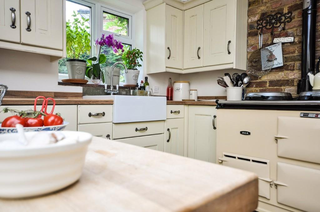 Liphook 2 Bed End Of Terrace House For Sale