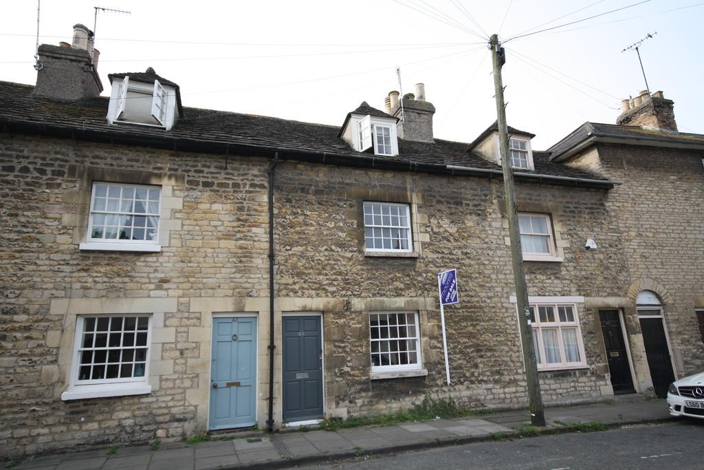 2 Bedrooms Terraced House for sale in St Leonards, Street