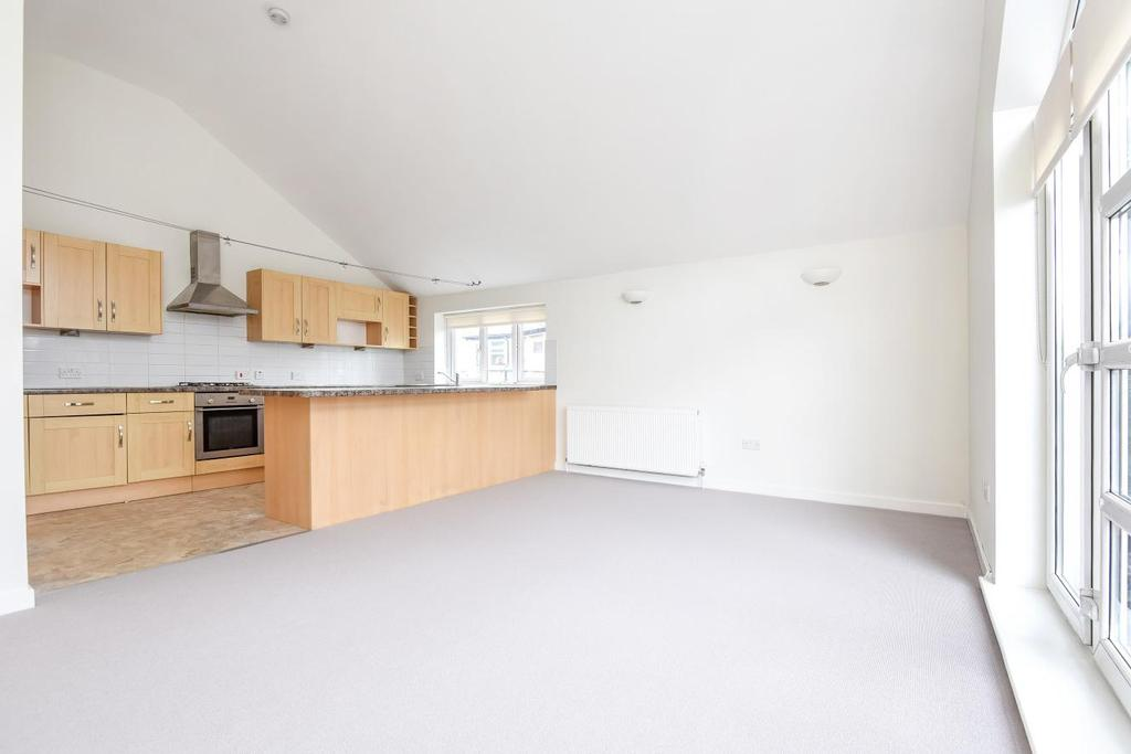 2 Bedrooms Detached House for sale in Tooting Bec Road, Tooting Bec