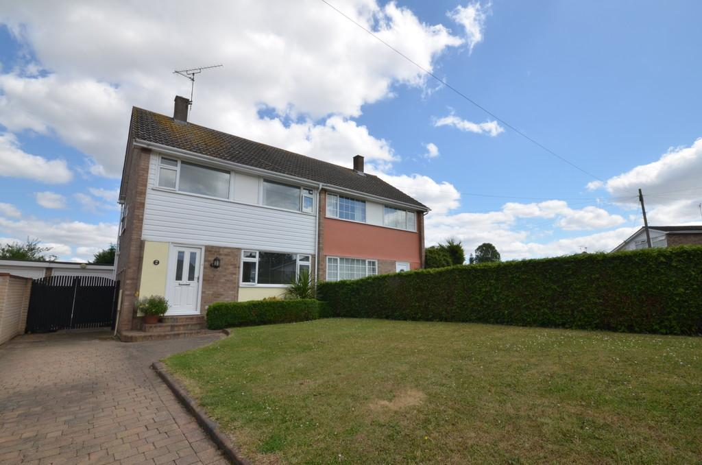 3 Bedrooms Semi Detached House for sale in The Walk, Eight Ash Green, West Colchester