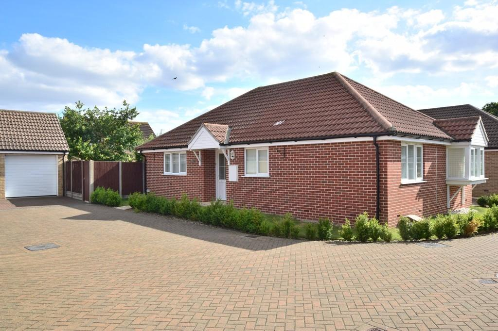 3 Bedrooms Detached Bungalow for sale in Langenhoe, Colchester, CO5 7AZ
