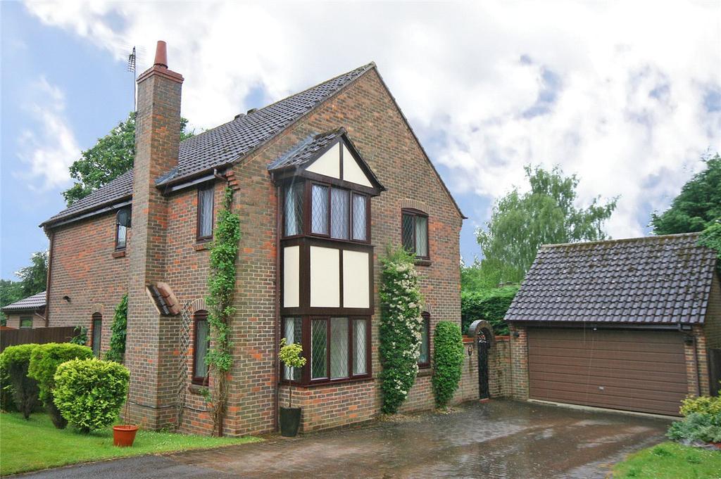 4 Bedrooms Detached House for sale in Heathlands, Welwyn, Hertfordshire