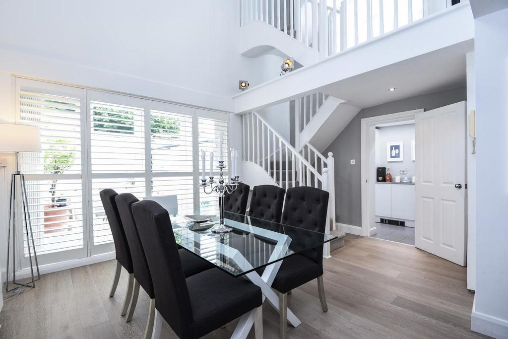 3 Bedrooms Detached House for sale in Highgate Hill, Highgate