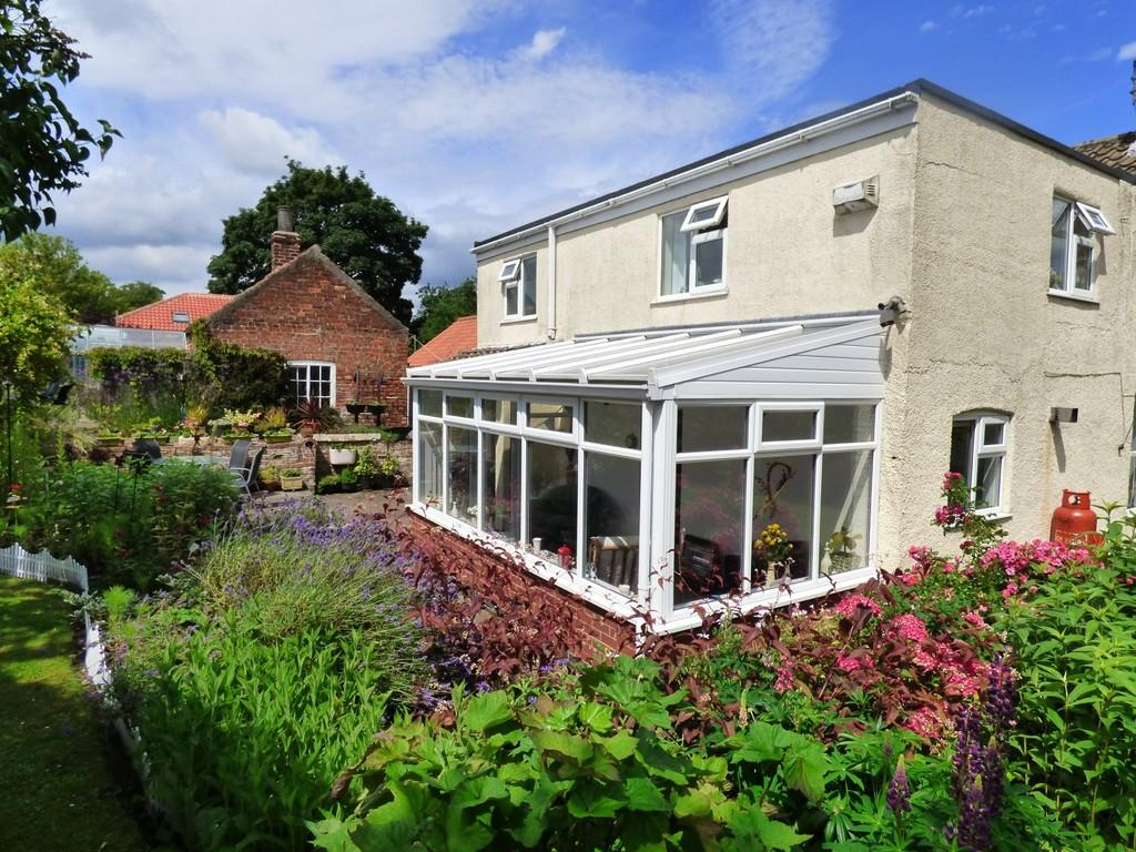 3 Bedrooms Detached House for sale in Redfern House, High St, North Kelsey
