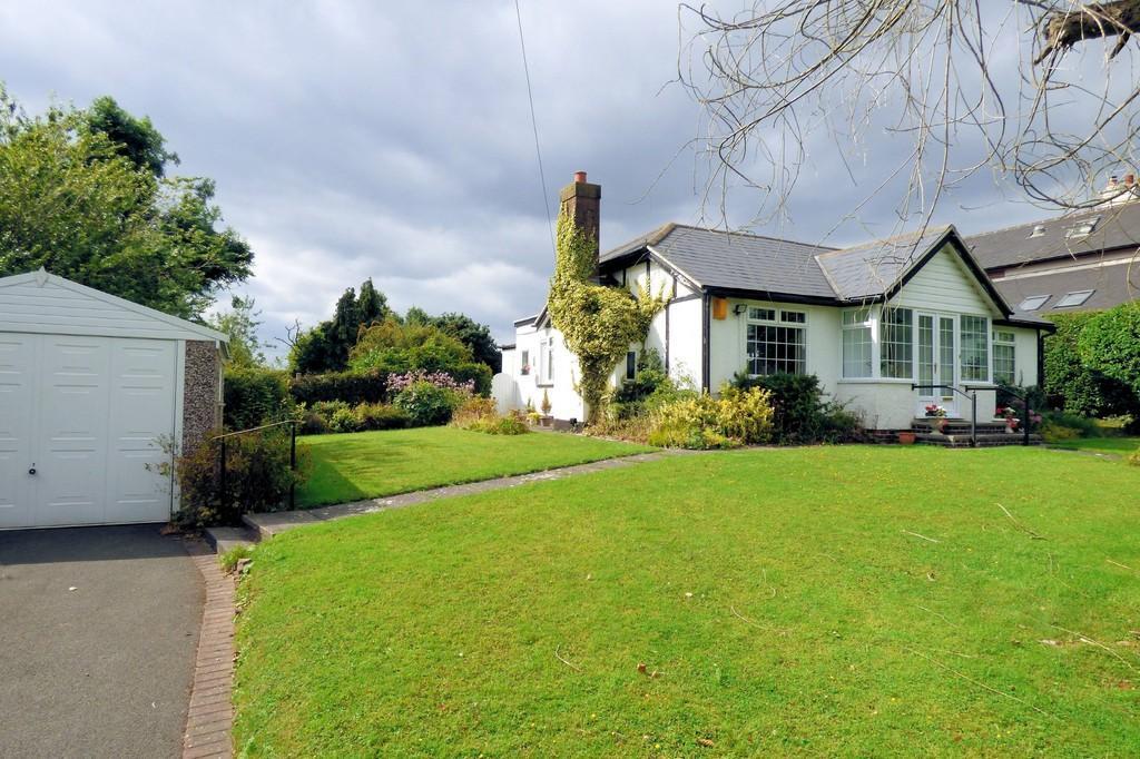 3 Bedrooms Detached Bungalow for sale in Brizlincote Lane, Burton-on-Trent