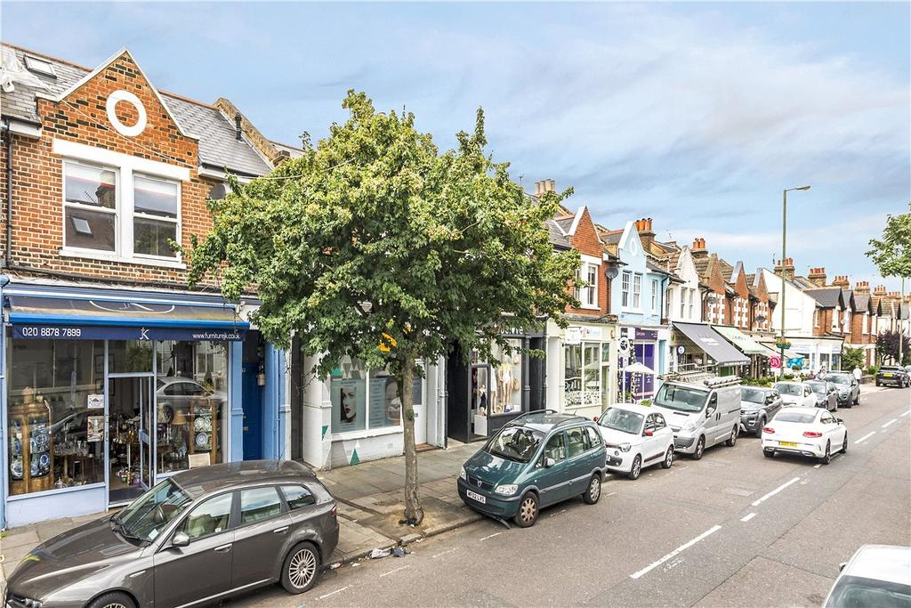 2 Bedrooms Maisonette Flat for sale in White Hart Lane, London, SW13