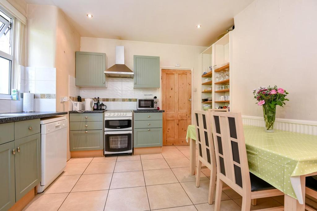 3 Bedrooms Flat for sale in Coverton Road, Tooting