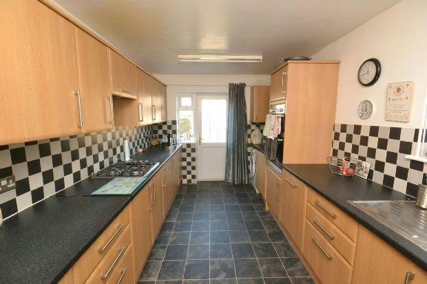 3 Bedrooms Terraced House for sale in Wharton Street, Grimsby