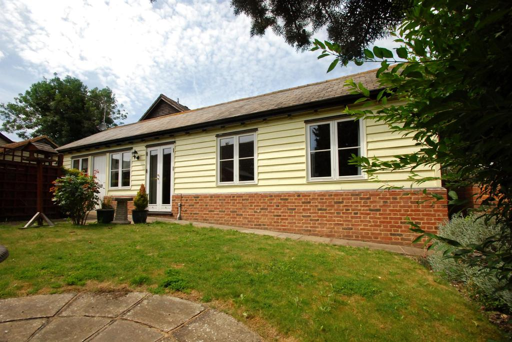 2 Bedrooms Detached Bungalow for sale in Buntingford , Hertfordshire