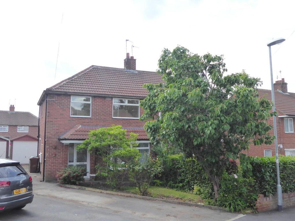 3 Bedrooms Semi Detached House for sale in Queensthorpe Rise, Bramley