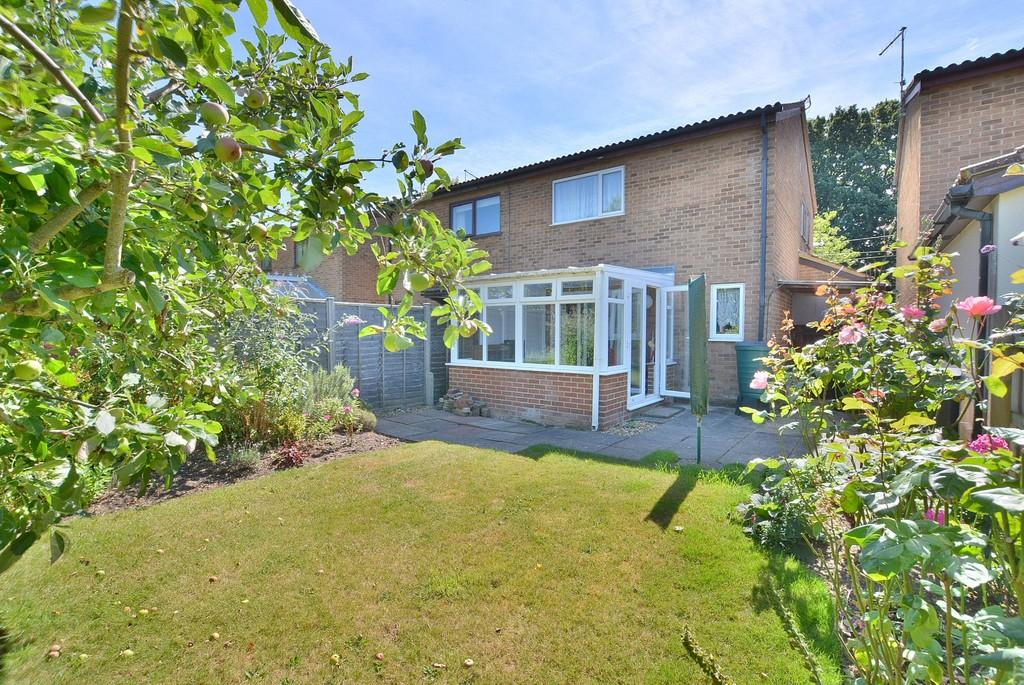 2 Bedrooms Semi Detached House for sale in Oakford Court, Landford Way, Bournemouth