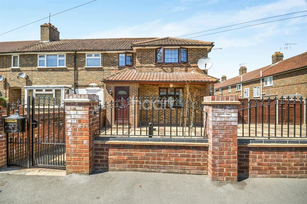 3 Bedrooms Semi Detached House for sale in Holman Road, Epsom, Surrey, KT19