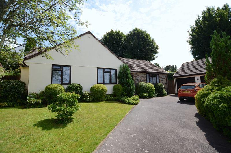 3 Bedrooms Bungalow for sale in Heather Close, Tavistock