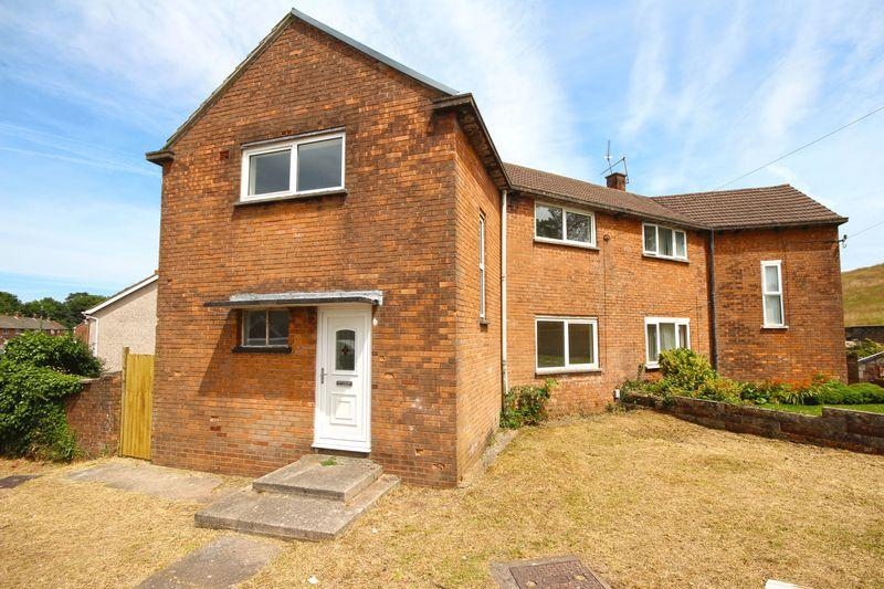 3 Bedrooms Semi Detached House for sale in Ball Road, Cardiff