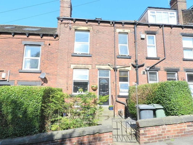 2 Bedrooms Terraced House for sale in Barnbrough Street , Leeds