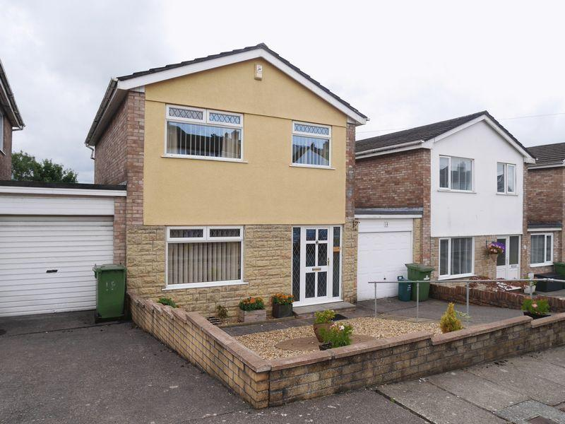 3 Bedrooms Detached House for sale in Lowerdale Drive, LLANTRISANT CF72 8DY