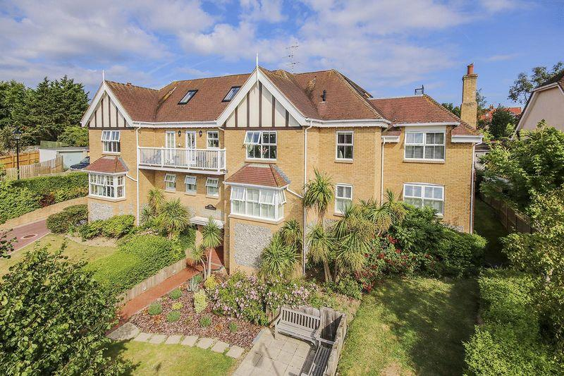 2 Bedrooms Apartment Flat for sale in Angmering