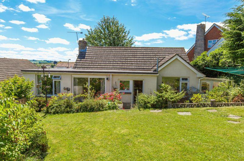 4 Bedrooms Detached Bungalow for sale in Blagdon Rise, Crediton