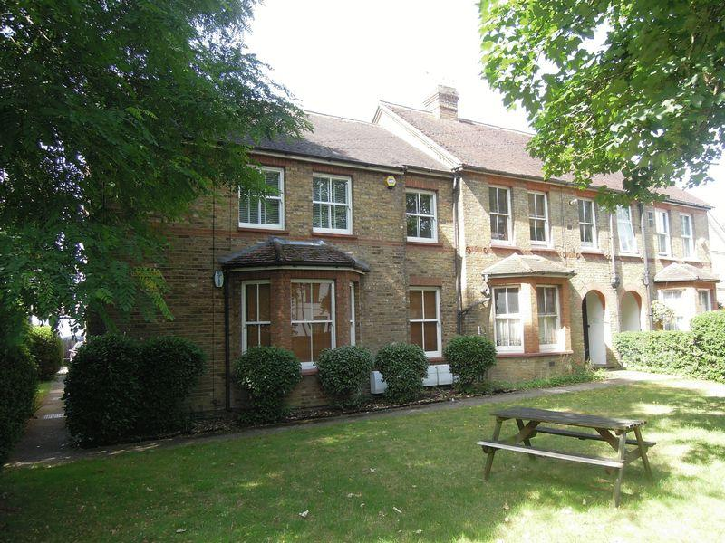 Studio Flat for sale in Colnbrook Village