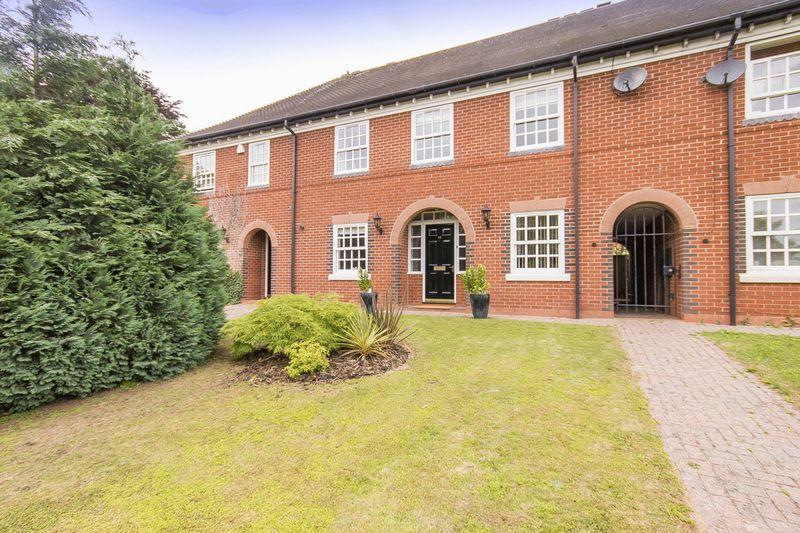 4 Bedrooms Terraced House for sale in MERLIN WAY, MICKLEOVER