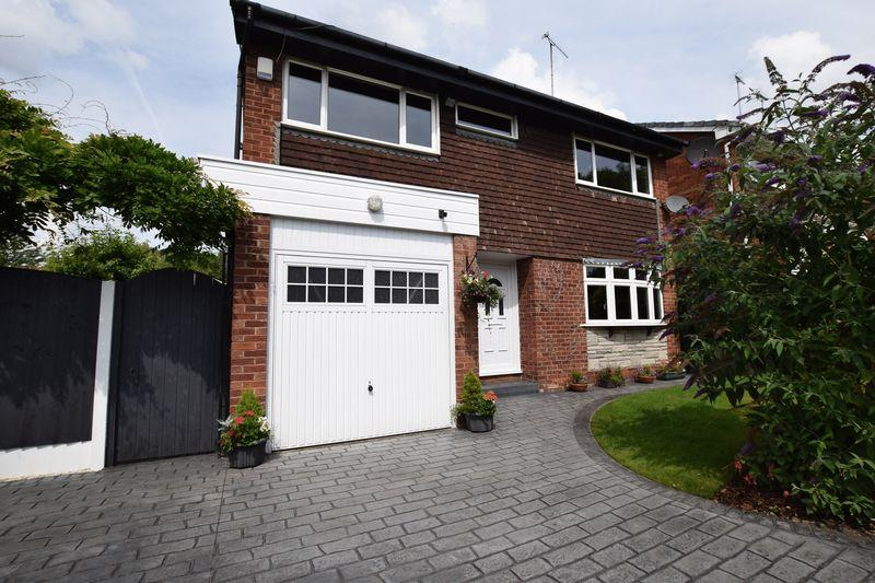 4 Bedrooms Detached House for sale in Ambleside Close, Beechwood