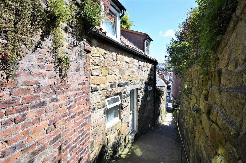 2 Bedrooms Cottage House for sale in Pier Lane, Whitby