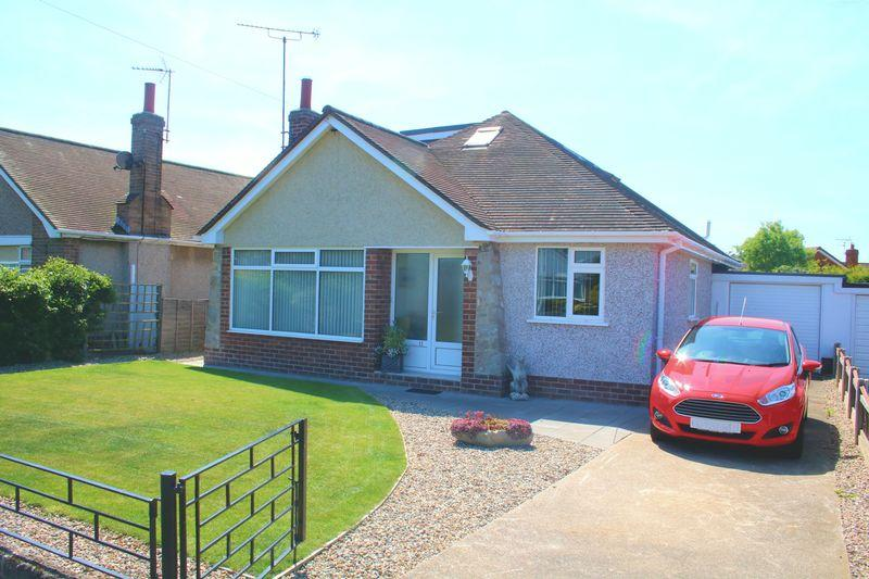 4 Bedrooms Detached Bungalow for sale in Ffordd Ffynnon, Rhuddlan