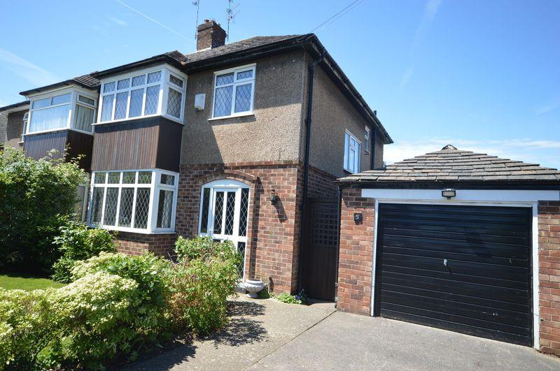 3 Bedrooms Semi Detached House for sale in Robert Drive, Greasby