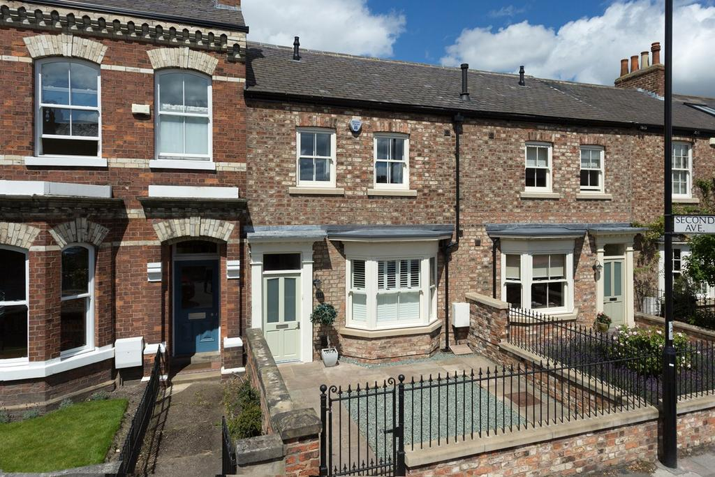 4 Bedrooms Town House for sale in East Parade, York, YO31