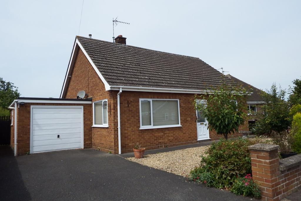 2 Bedrooms Detached Bungalow for sale in Park Lane, Spalding, PE11