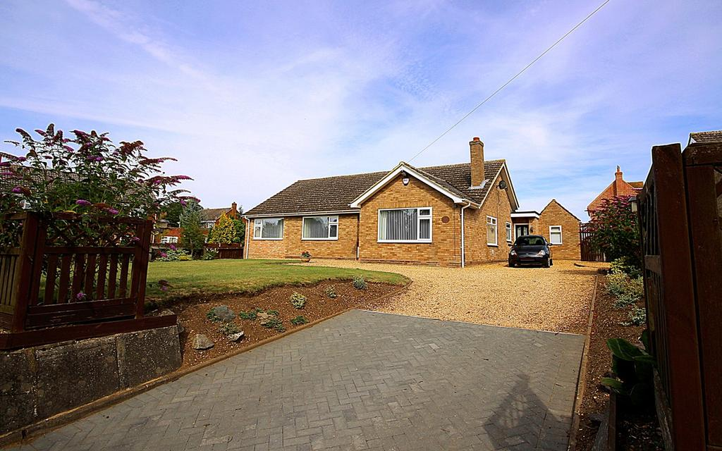 4 Bedrooms Detached Bungalow for sale in Church Street, Langford, Biggleswade, SG18