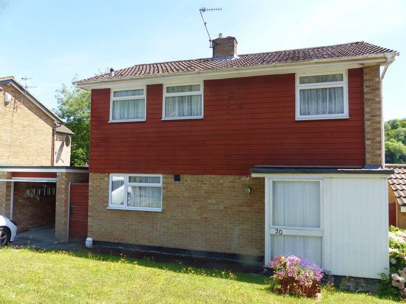 3 Bedrooms Detached House for sale in Goodwood Rise, Marlow