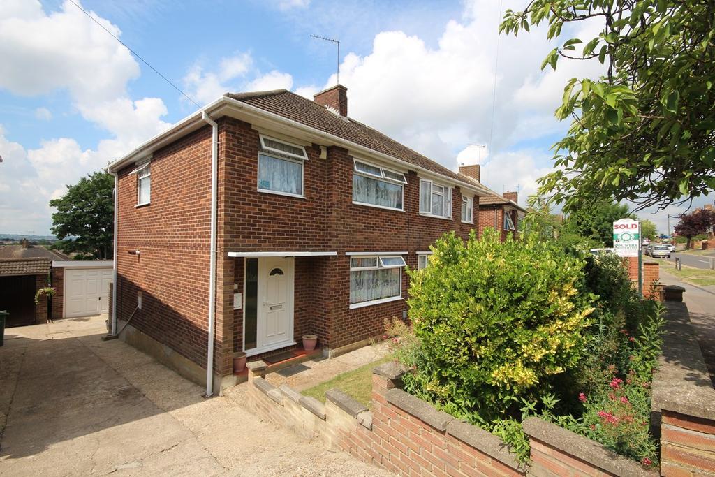3 Bedrooms Semi Detached House for sale in Grampian Way, Sundon Park, Luton, LU3
