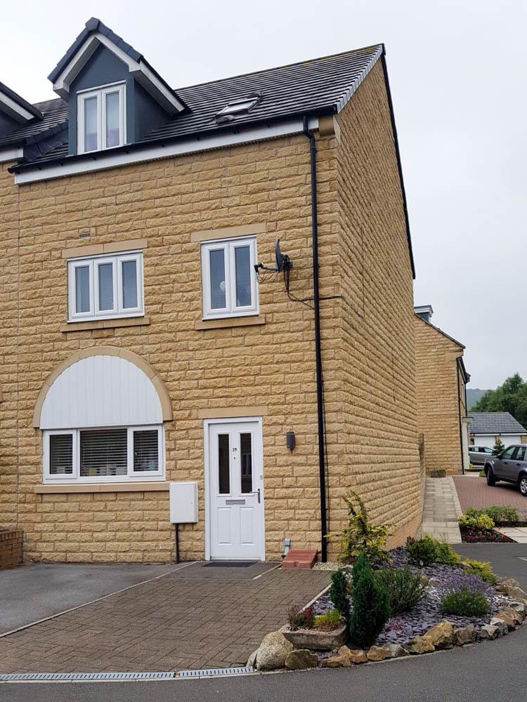 4 Bedrooms End Of Terrace House for sale in Springdale, Off Otterhole, Buxton