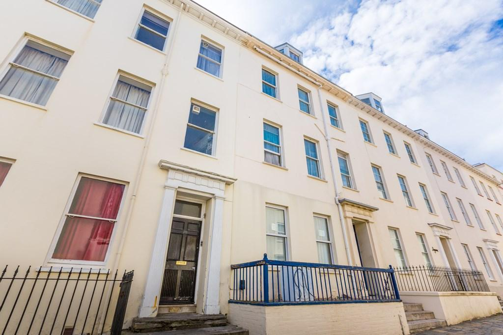 1 Bedroom Flat for sale in 20 Sausmarez Street, St. Peter Port, Guernsey