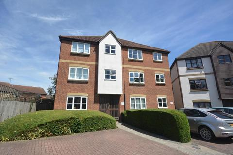 2 bedroom apartment to rent - Mead Path, Chelmsford, Essex, CM2