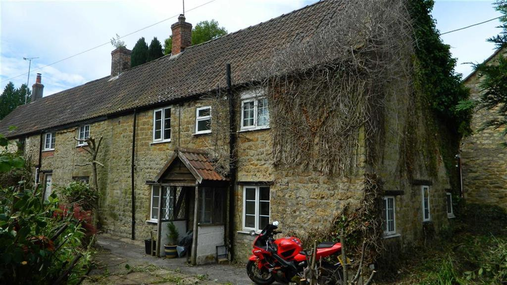 3 Bedrooms Semi Detached House for sale in Middle Street, Misterton, Crewkerne, Somerset, TA18