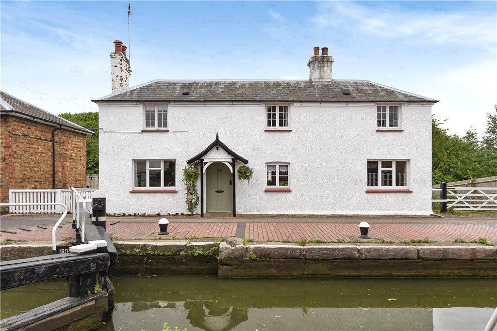 3 Bedrooms Unique Property for sale in Lock View Lane, Fenny Stratford, Milton Keynes, Buckinghamshire