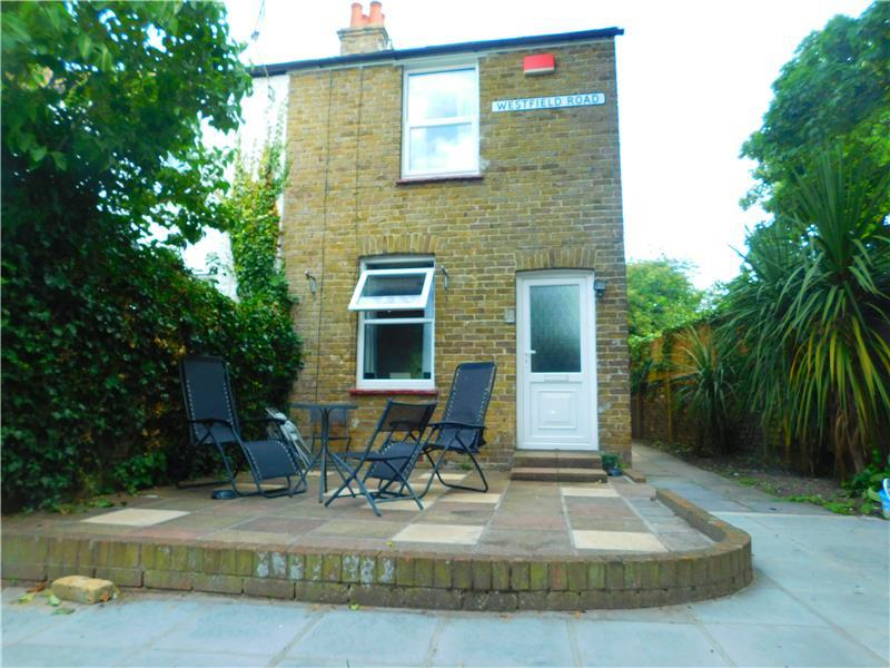 2 Bedrooms End Of Terrace House for sale in Westfield Road, Birchington, Kent CT7