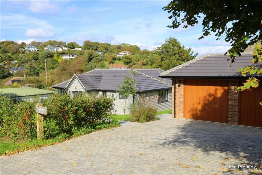 4 Bedrooms Detached Bungalow for sale in Pine Tree Hill, Pett Level