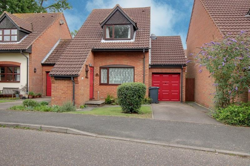 3 Bedrooms Link Detached House for sale in Rayners Way, Mattishall, Dereham