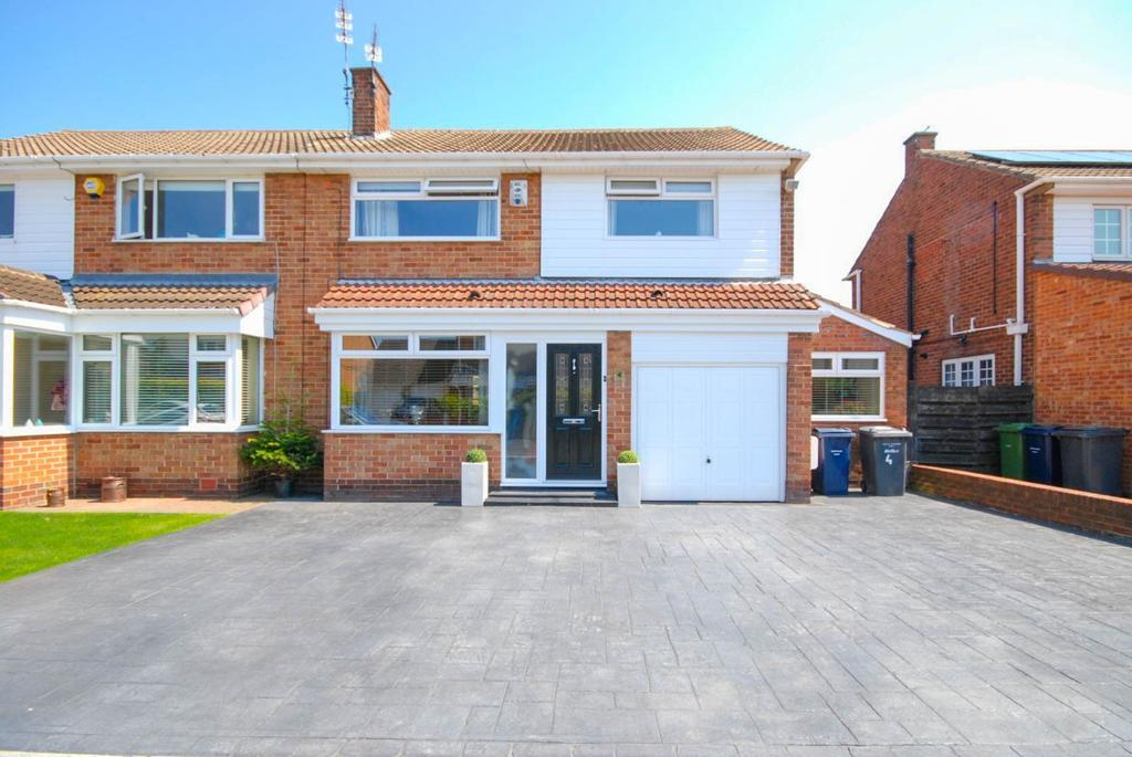3 Bedrooms Semi Detached House for sale in Moorfield Gardens, Cleadon
