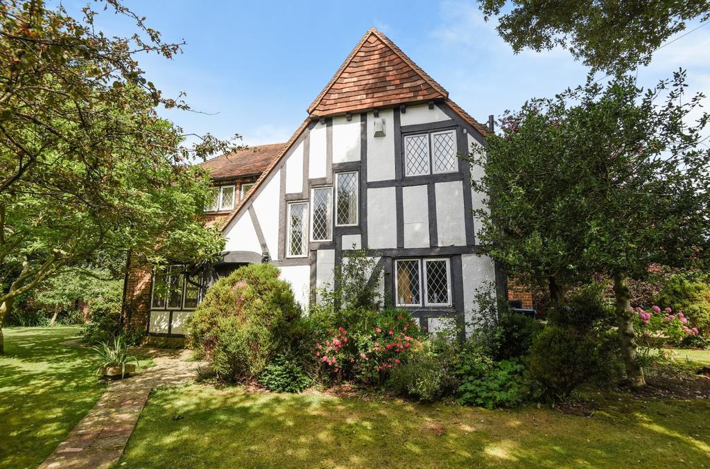 3 Bedrooms Detached House for sale in Tudor Close, Middleton-on-Sea, Bognor Regis, PO22