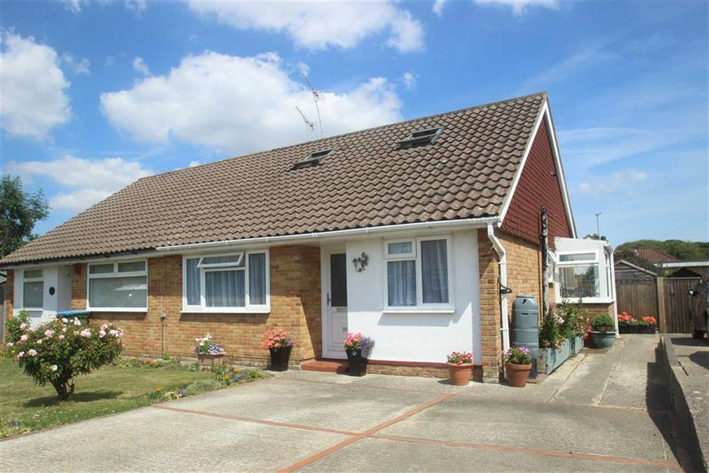2 Bedrooms Semi Detached Bungalow for sale in Oakcroft Gardens, Littlehampton, West Sussex
