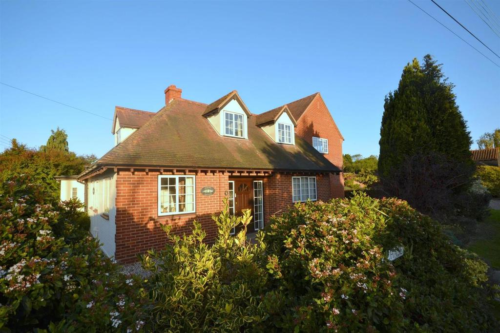 5 Bedrooms Detached House for sale in Burnham on Crouch