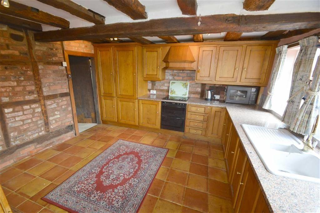 3 Bedrooms Semi Detached House for sale in 2, Ryton Grange Cottages, Ryton, SY5