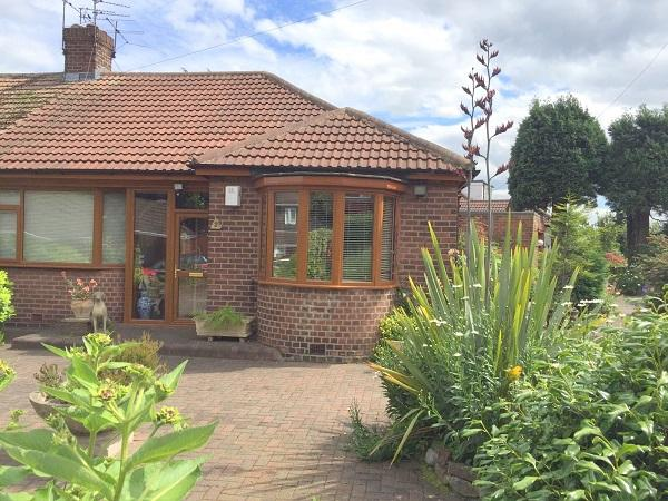 3 Bedrooms Semi Detached Bungalow for sale in Bosworth Gardens, Heaton, Newcastle upon Tyne NE6